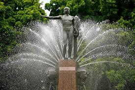 photo of the Archibald Fountain found in the Hyde Park